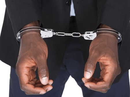 Easter Monday: Chief security fired and arrested for stealing colleague's mobile phone at C/R