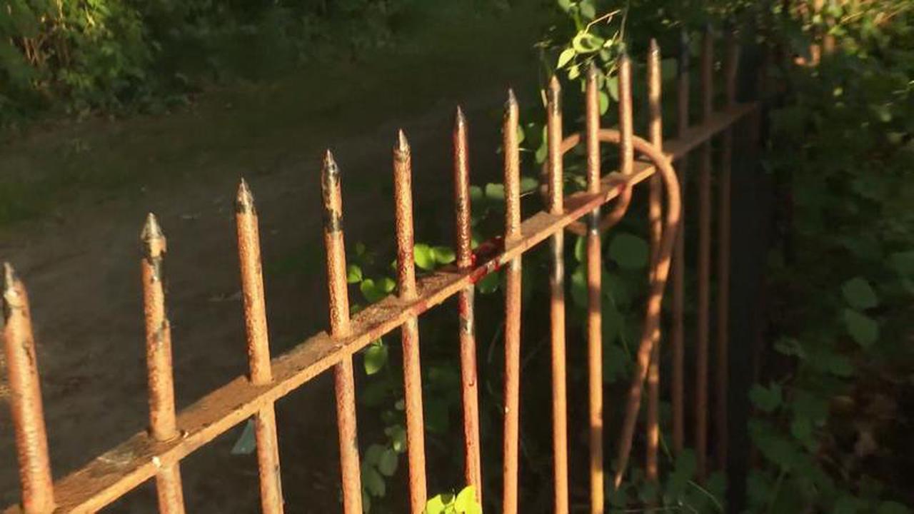 Hamburg: 46Jähriger spießt sein Bein an einem Zaun auf