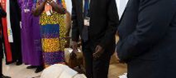 The day Pope Francis kissed the feet of South Sudan politicians for peace to reign.