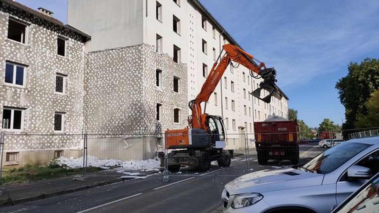 PHOTOS. Aurillac : les opérations de démolition du quartier de Marmiers ont commencé