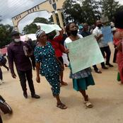 EXCLUSIVE: Happening Now; Abia State University Lecturers Peacefully Protests Over Unpaid Salaries