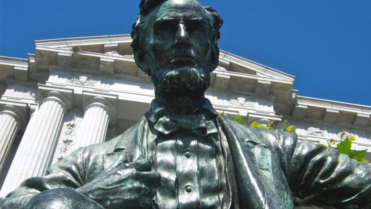 Abraham Lincoln Statue Defaced at San Francisco City Hall
