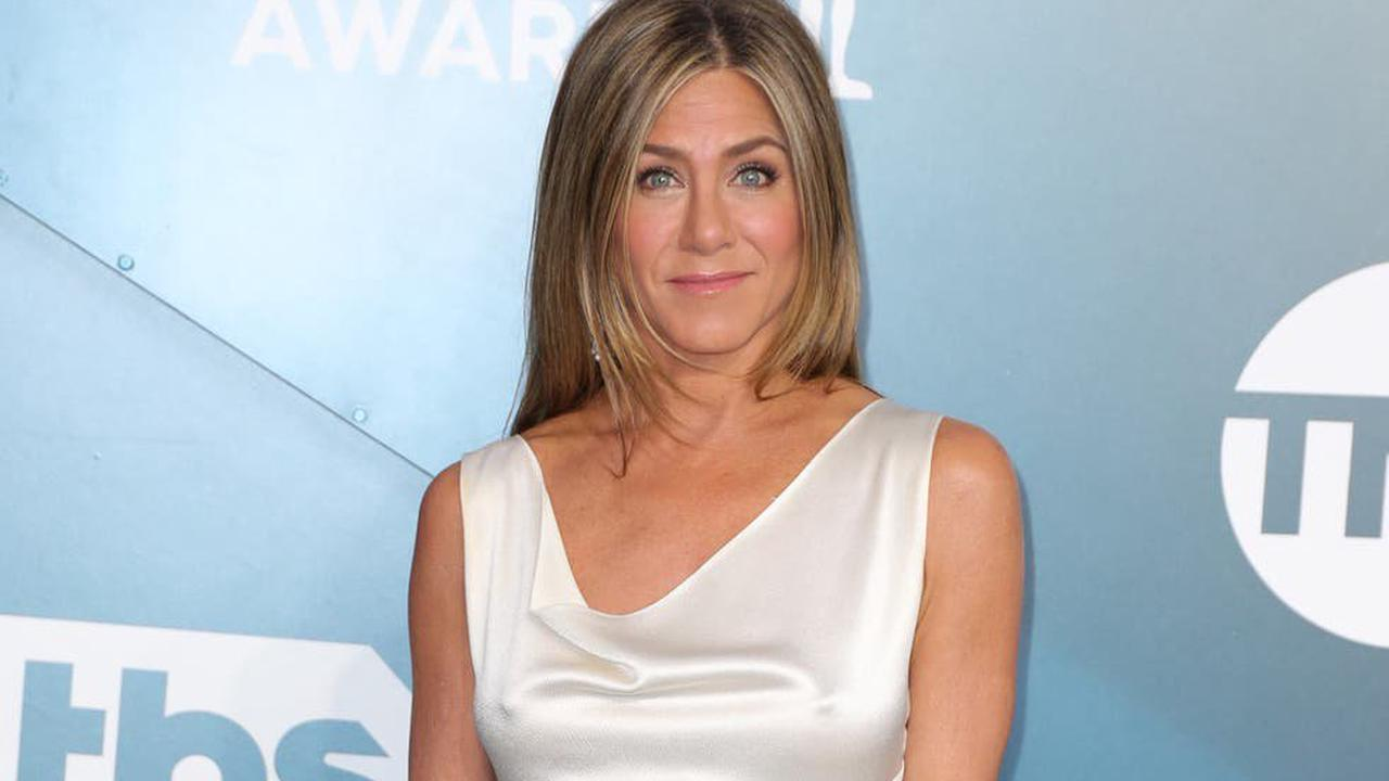 Jennifer Aniston says therapy helps her deal with constant questions about her personal life
