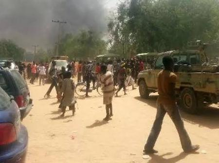 Happening Now: Tension in Aba as gun shots are fired around a police station in Aba