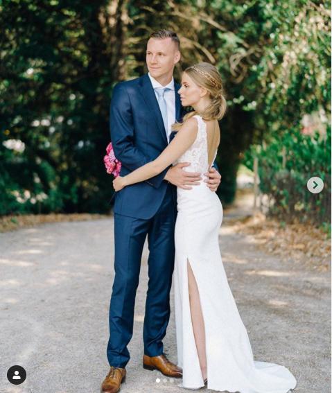 Arsenal goalkeeper, Bernd Leno marries long-term girlfriend Sophie Christin in Germany (photos)