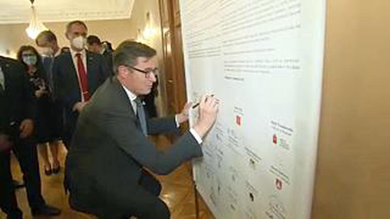 """La """"démocratie durable"""" défendue lors d'un forum à Budapest"""