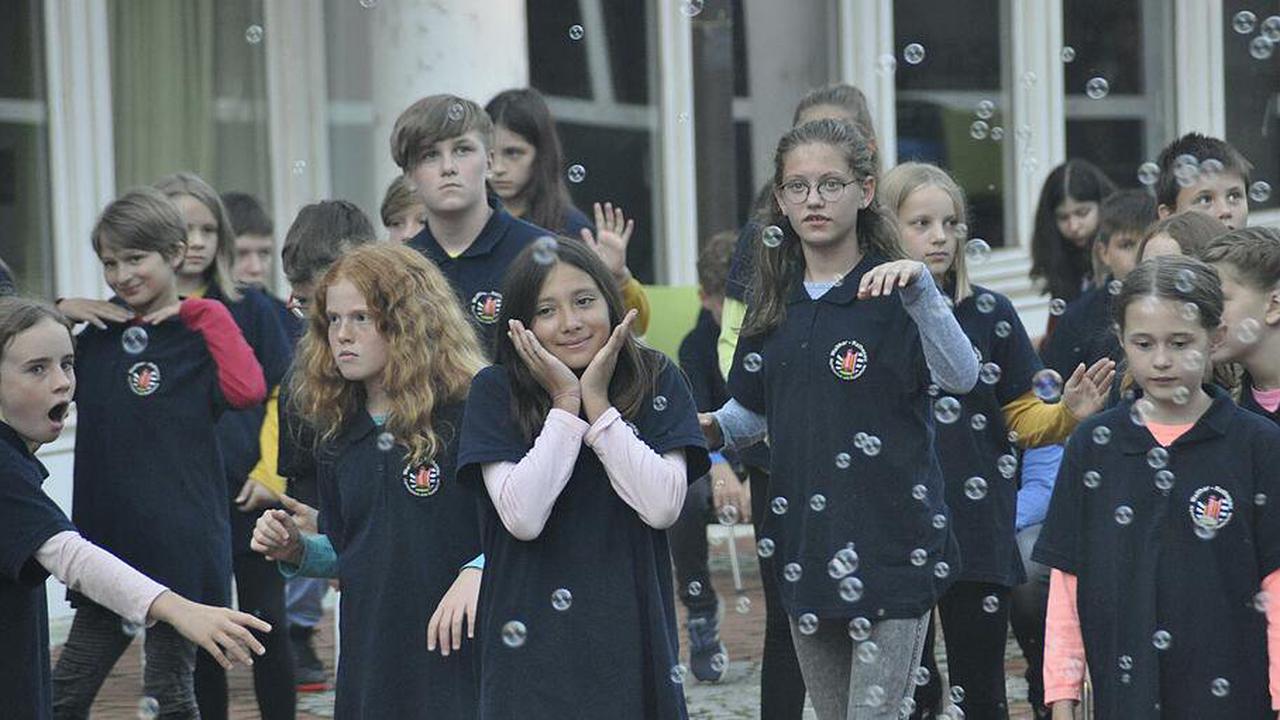 Sommerkonzert der Walther-Rathenau Schulen -Wie Schülerinnen und Schüler die Pandemie darstellen