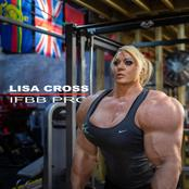 Meet Lisa Cross, A Massive Giant Female Bodybuilder Who Was Formerly A Police Officer And A Teacher