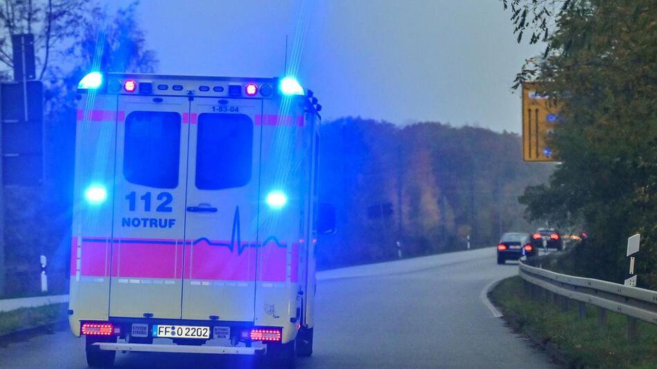 Feuerwehr: Vier Menschen bei Messerstecherei verletzt
