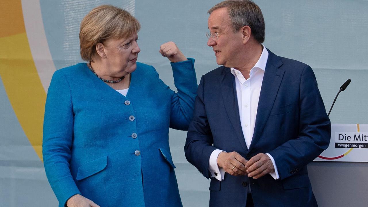Merkel wirbt für Laschet: Nicht egal, wer regiert