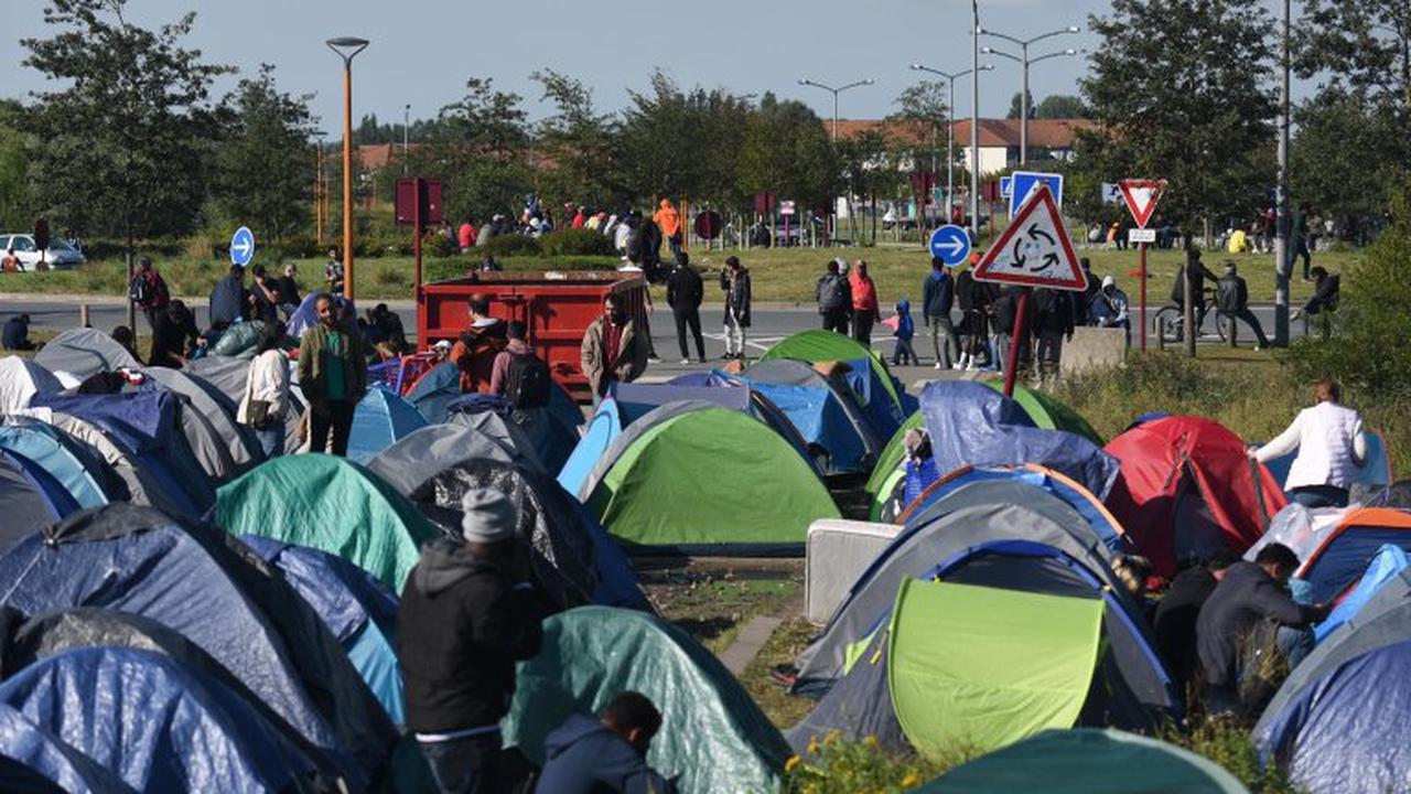 Calais : la zone des Dunes bouclée pour un démantèlement