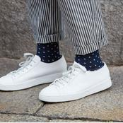 Why is important to wear socks with shoes ?