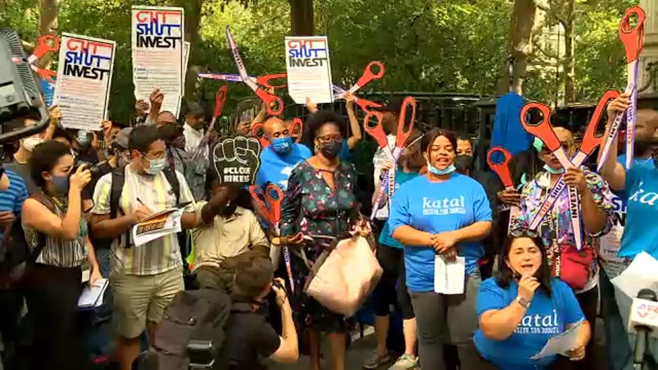 Protesters rally outside City Hall calling for Rikers Island shutdown