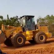 Alors que les engins avaient disparu, les travaux de bitumage de l'axe Biankouma-Sipilou ont repris