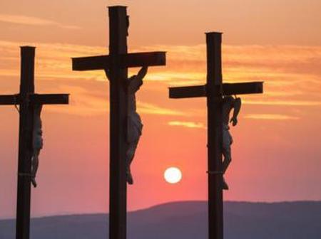 Voici ce qu'est devenu la croix où le seigneur Jésus-Christ a été crucifié