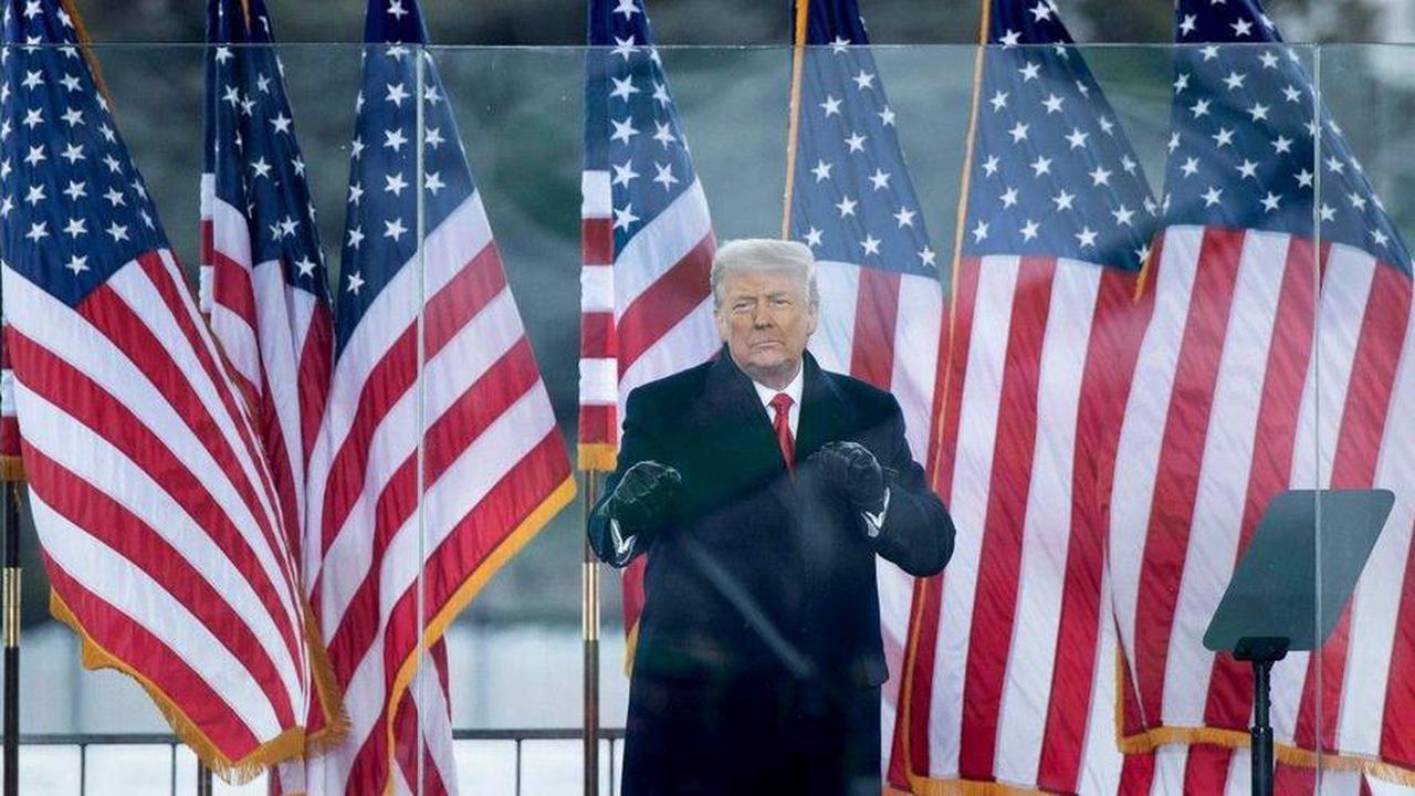 """Trump acquitté : """"la démocratie est fragile"""", dit Joe Biden, les républicains divisés"""
