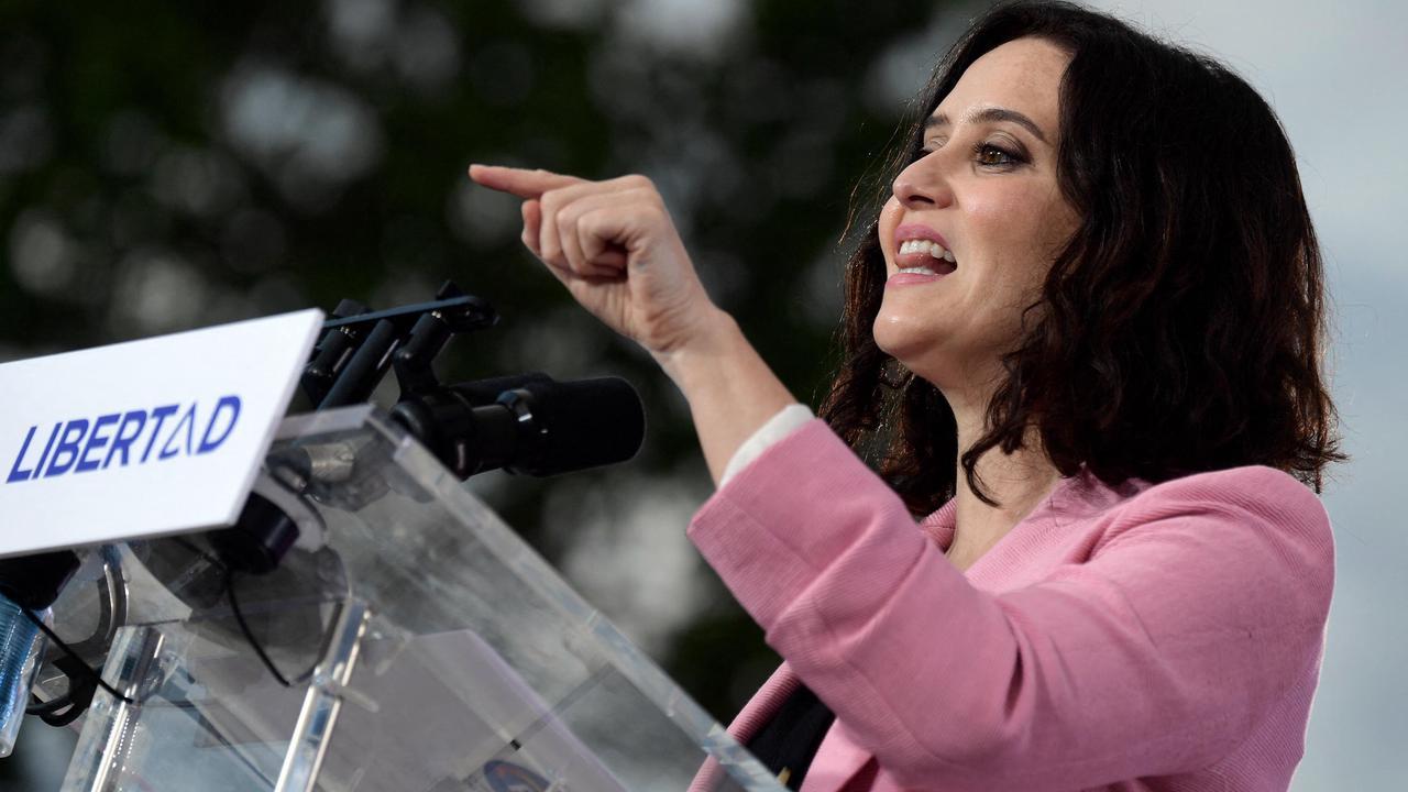 Région de Madrid: intronisation d'Isabel Diaz-Ayuso, nouvel égérie de la droite espagnole