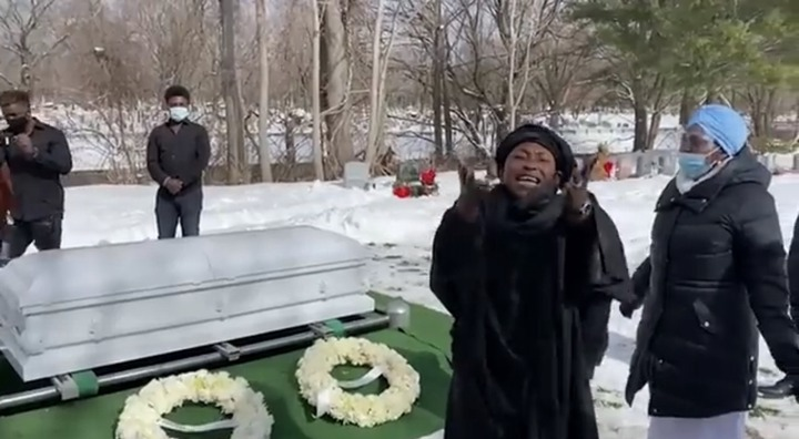 c39132f276f449328a5239b40dd4f177?quality=uhq&resize=720 - Tears Flow From The London Cemetary Where Kyeiwaa's Bridesmaids Was Buried - Sad Scenes