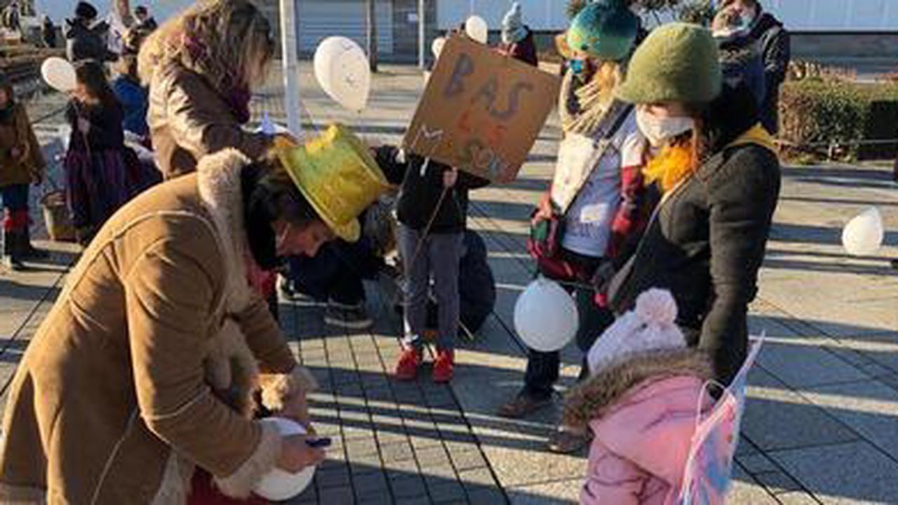 Lorient. Près de 50 personnes demandent la fin du masque à l'école