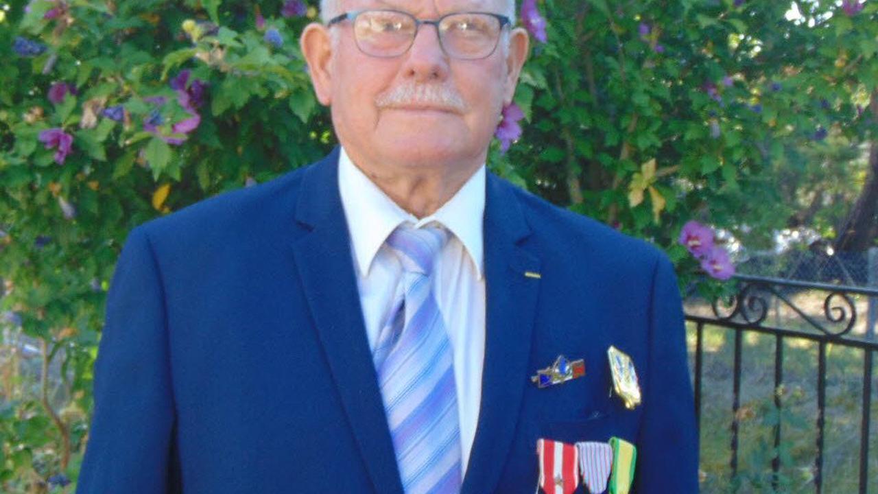 Claudius Chazal s'est vu décerner une médaille militaire