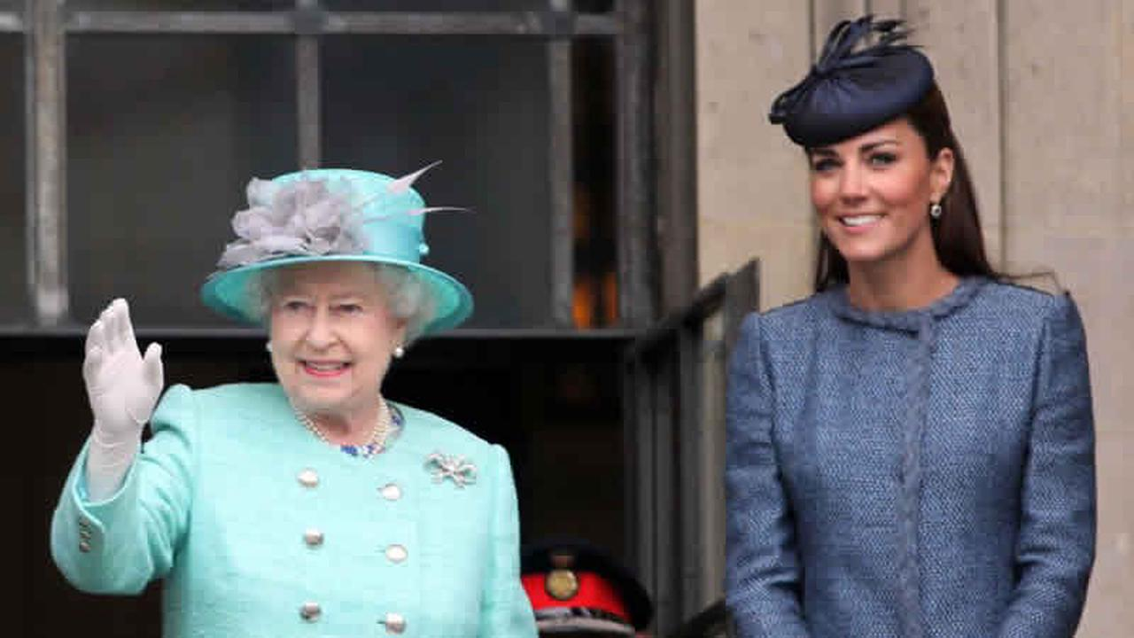 The Truth About The Queen's Relationship With Kate Middleton's Parents