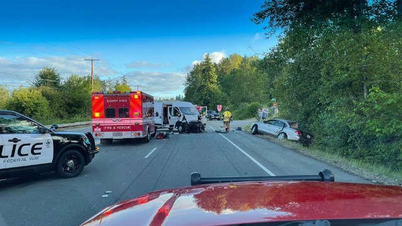 2 dead, 3 injured injured in Federal Way crash