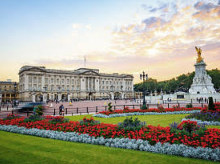 Check Out What Inside Queen Elizabeth's Palace Looks Like (Photos)