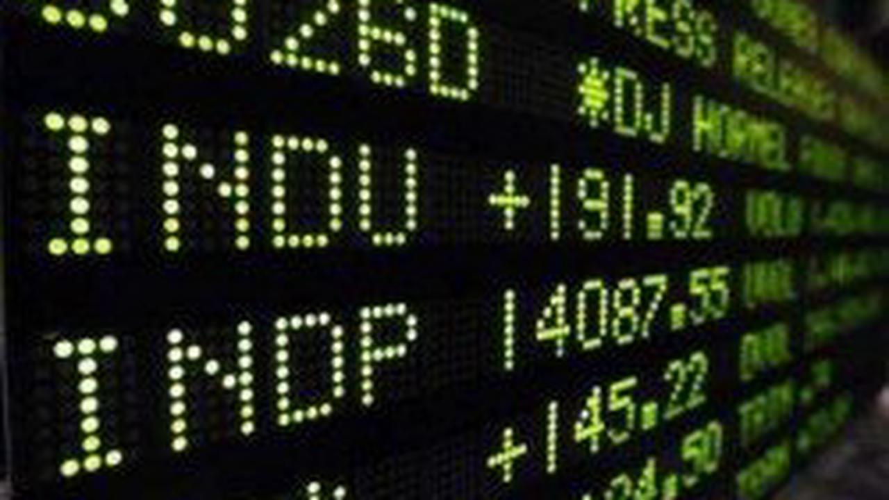 Truxton (OTCMKTS:TRUX) Shares Cross Below Fifty Day Moving Average of $45.37