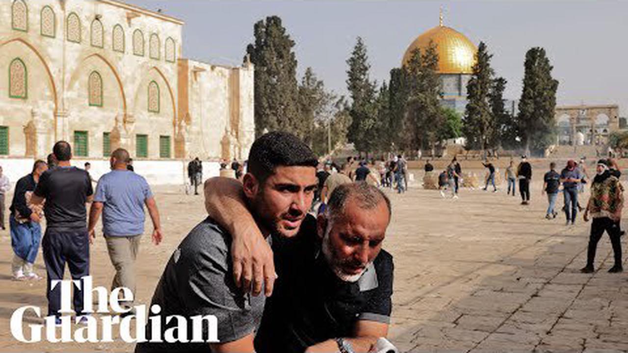 Israeli police storm al-Aqsa mosque ahead of Jerusalem Day march