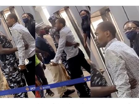 After He Was Defrauded N100k, Check Out What A Man Did At A Bank In Lagos