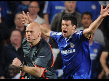 6 Refereeing Mistakes That Made The Official Apologised (No 3. Is Chelsea VS Barcelona in 2009)