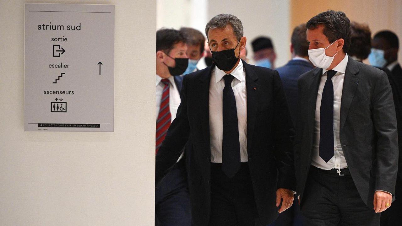 Au procès Bygmalion, Nicolas Sarkozy nie en bloc à son tour