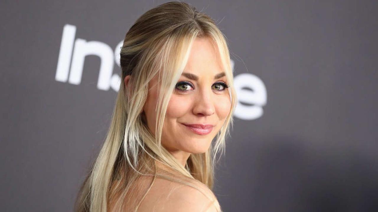 """Kaley Cuoco Says This Star Taught Her """"How to Have Fake Sex"""""""