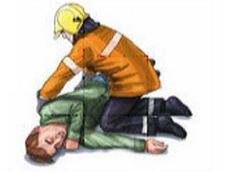 Voici comment mettre une personne rapidement en position latérale de sécurité en cas de crise