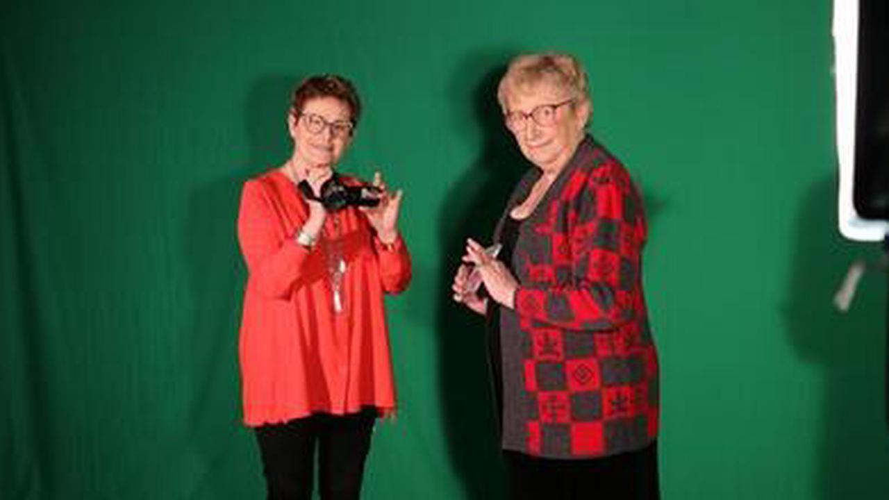 À plus de 80 ans, Cécile et Suzanne lancent leur chaîne Youtube