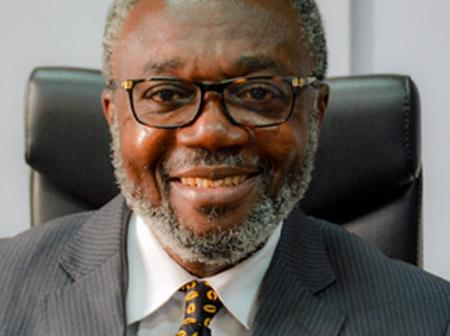 Dr Nsiah-Asare donates to support Akufo-Addo's re-election