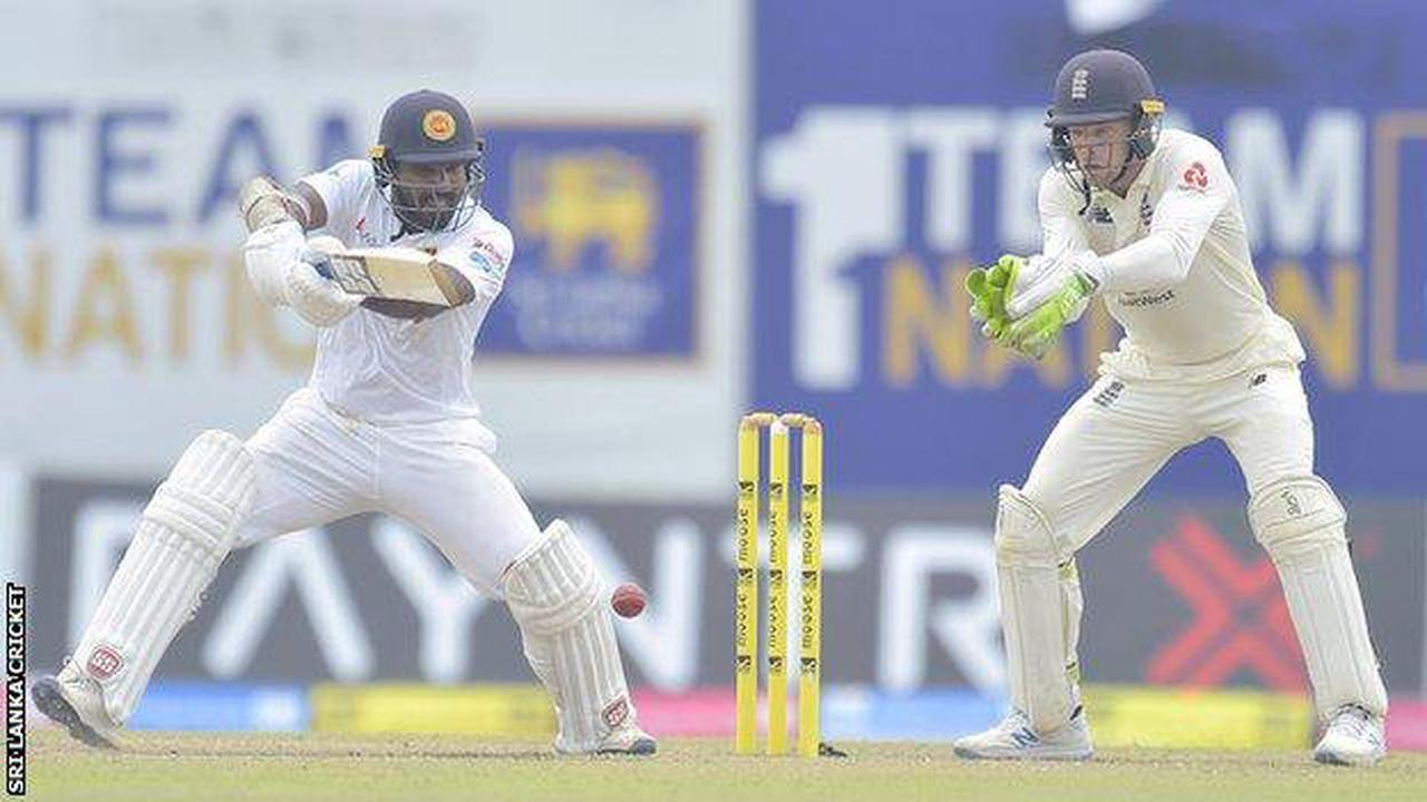 England in Sri Lanka: Hosts exposed tourists' weaknesses on day three