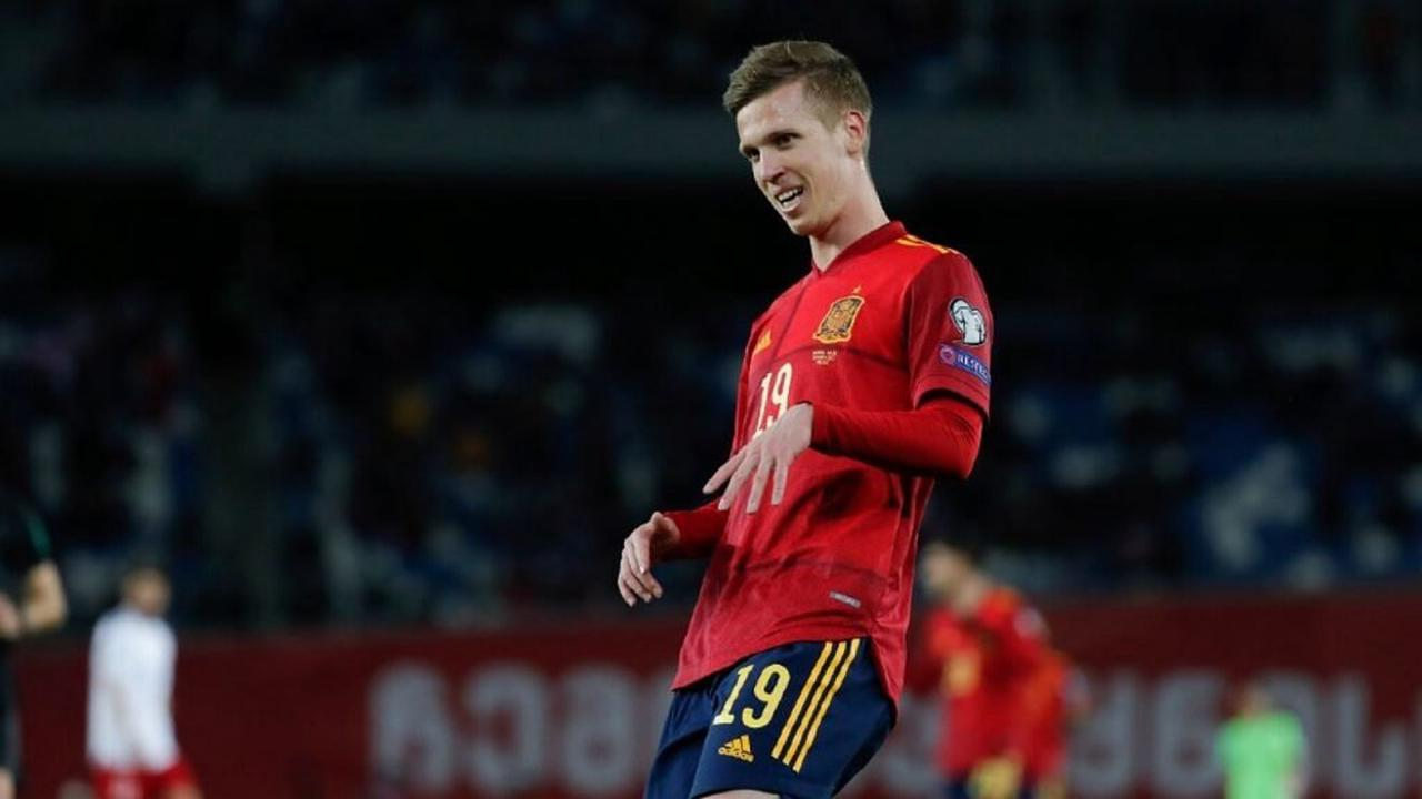Real Madrid latest to join Manchester United in Dani Olmo transfer race