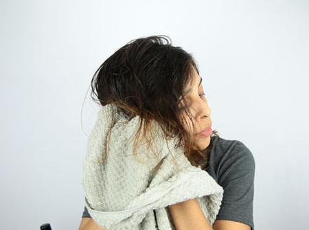 Healthy Hair Tips: Use towels to dry wet hair, know the damage it causes