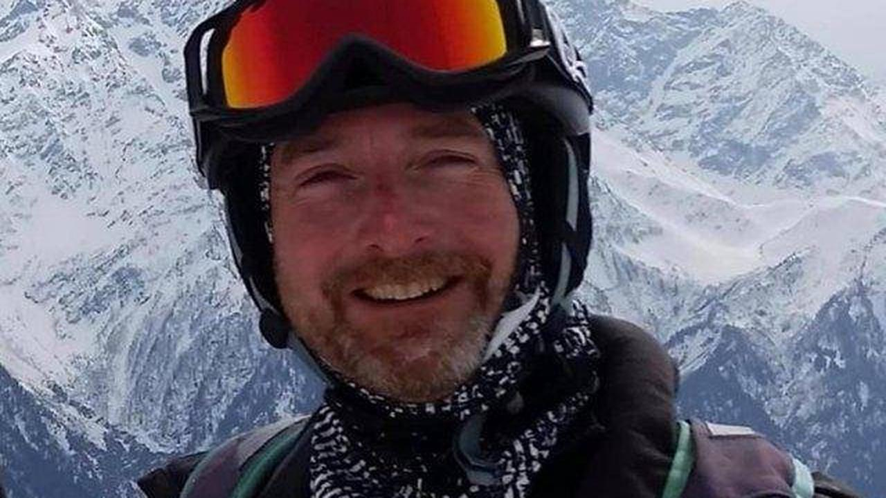 Sheffield paraglider described as 'really nice bloke' forced into 'unrecoverable spin' and died at Peak District beauty spot, inquest hears
