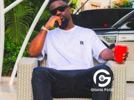 Checkout big mansion and expensive cars of Sarkodie