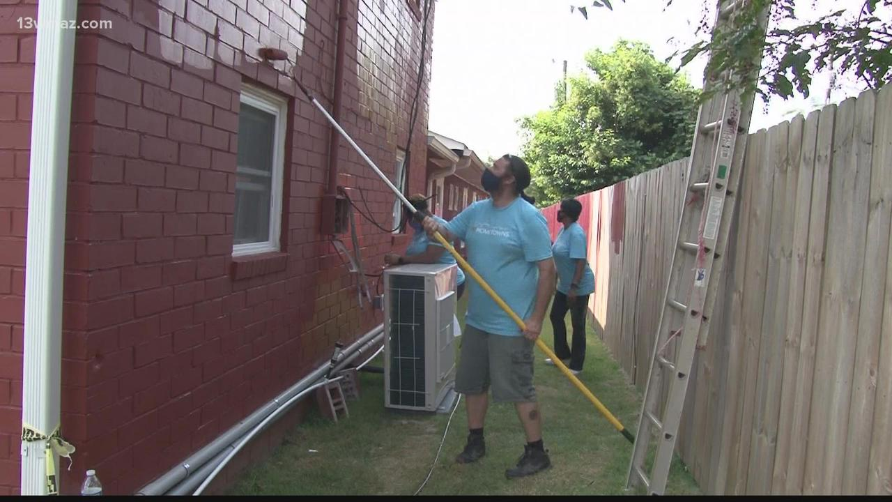 Warner Robins veterans shelter gets boost from Lowe's