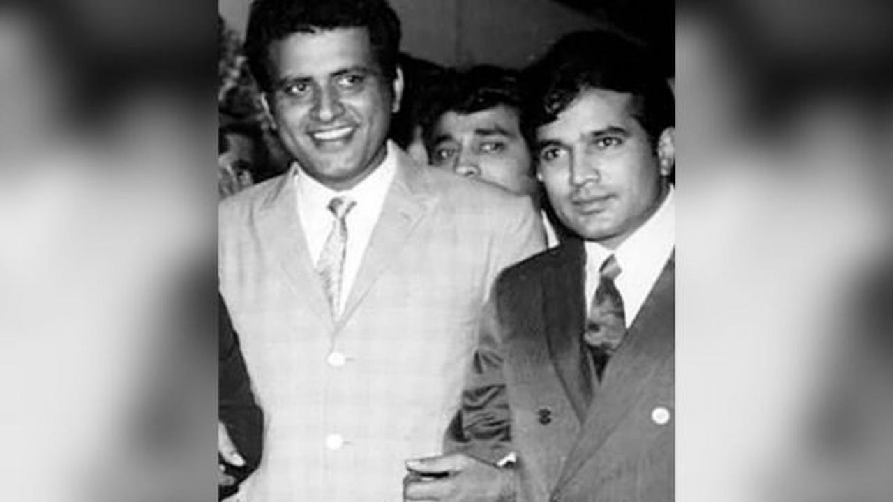Rajesh Khanna Birth Anniversary: Manoj Kumar Remembers the Late Actor by Sharing a Classic Monochrome Photo With the Cine Legend