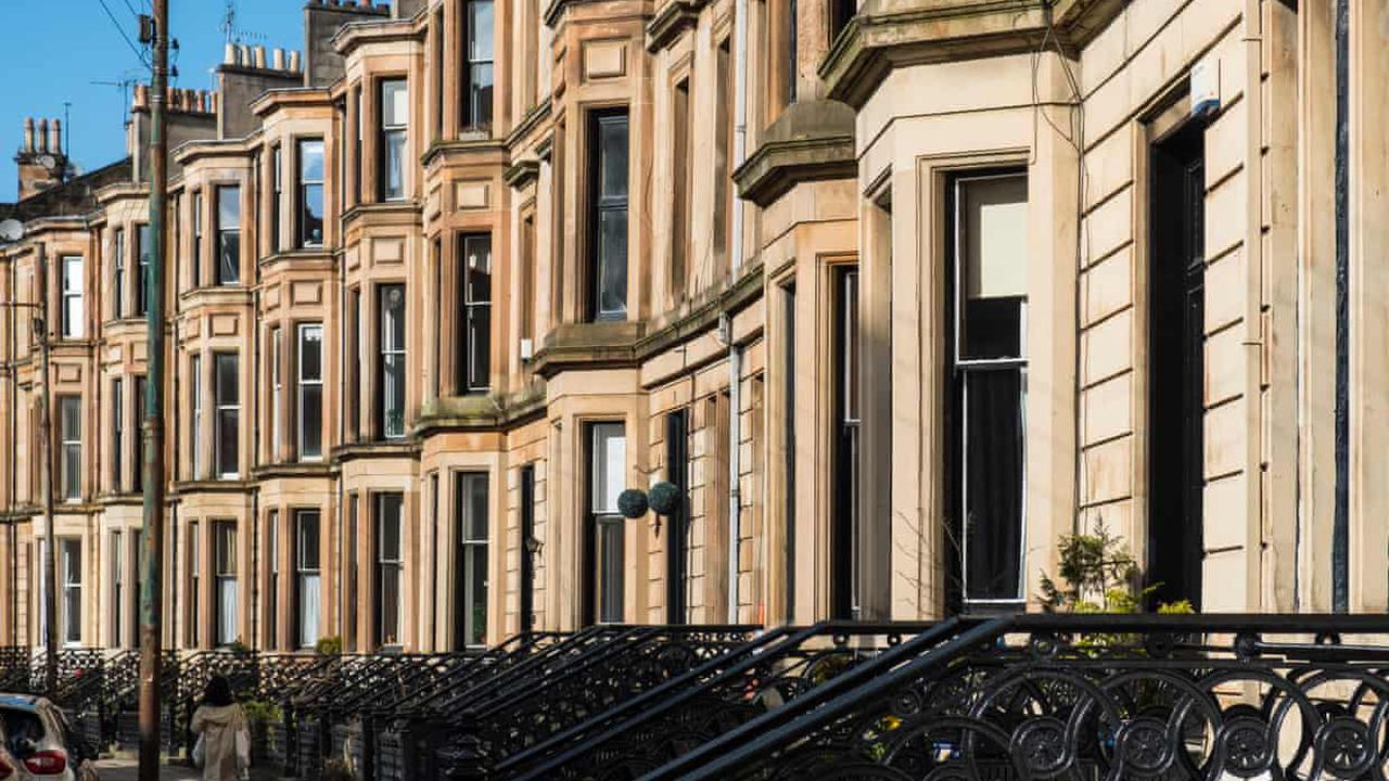 Average UK house price fell by £10,000 in July