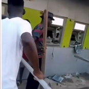 See How Enugu Protesters Destroyed Diamond Bank In Enugu (See Photos)
