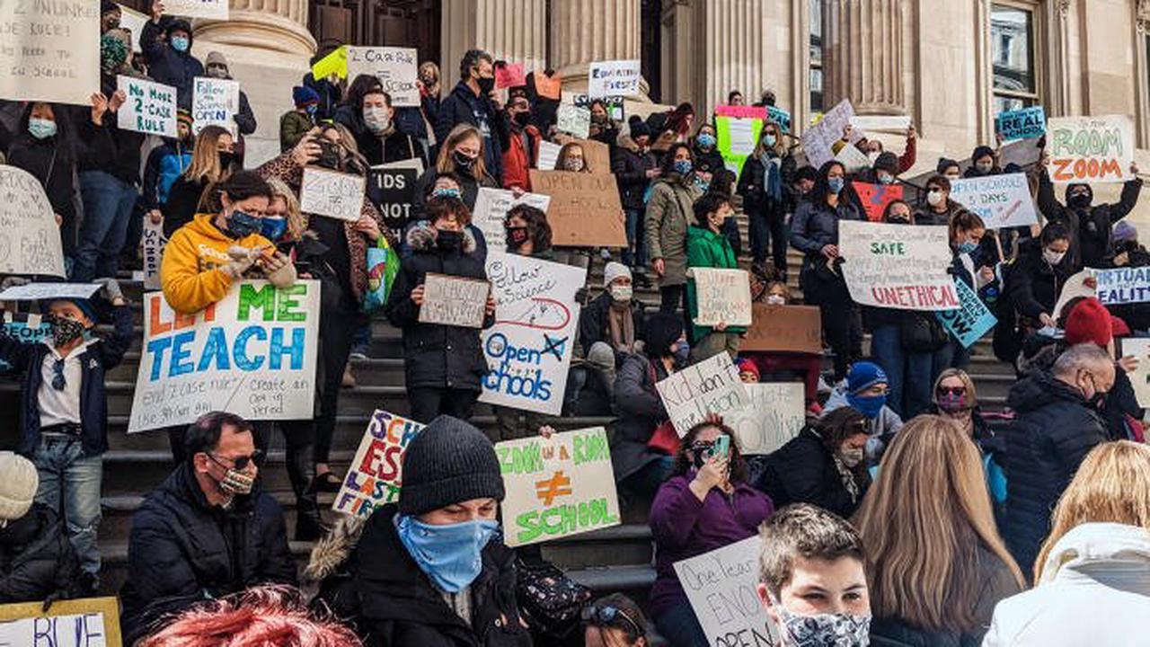 «Le préjudice aux enfants est irréparable»: A NewYork, des parents saisissent la Cour suprême contre les cours supprimés