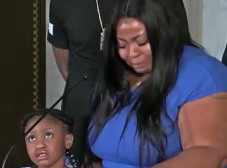 La réaction de la fille de Georges Floyd après l'annonce de la mort de son père