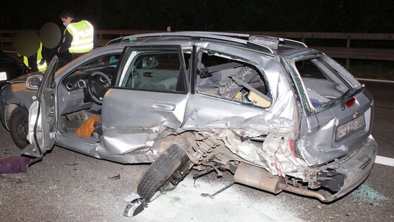 Unfall auf der B14 Richtung Waiblingen: Auffahrunfall mit drei Beteiligten