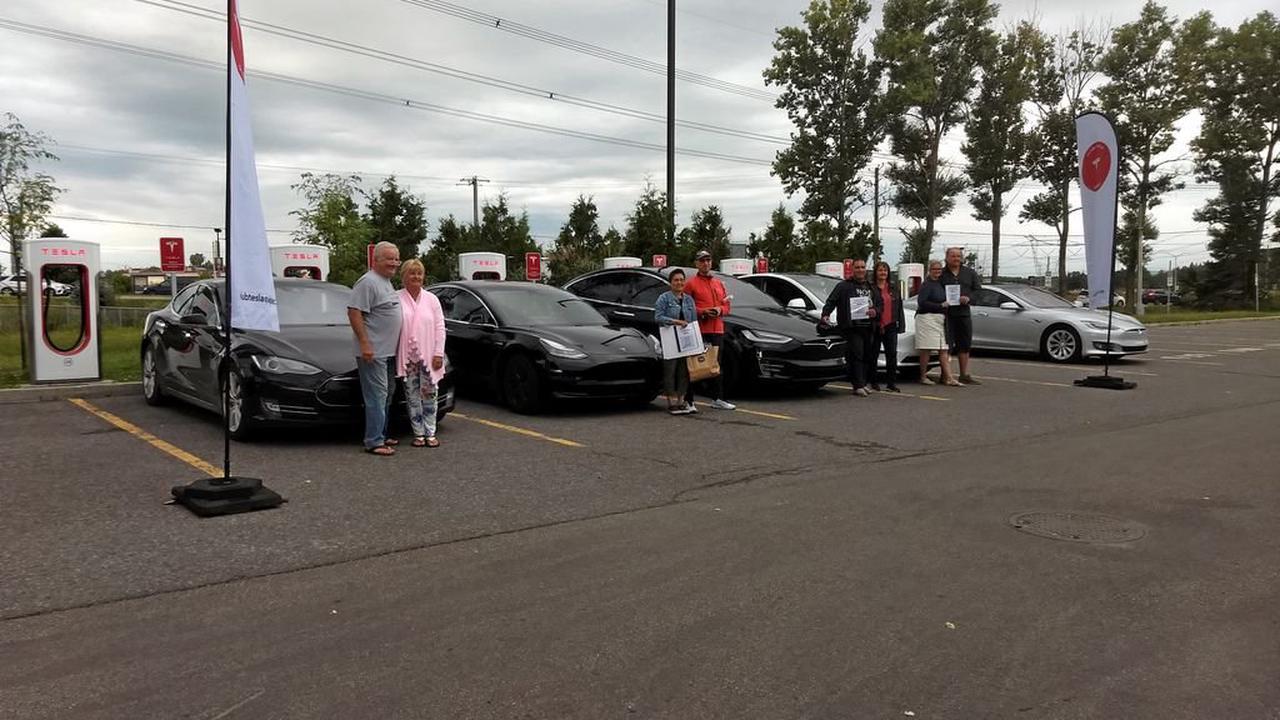 C'est un départ pour 3300 km en six jours pour le Super Rallye S3XY du Club Tesla Québec [PHOTOS]
