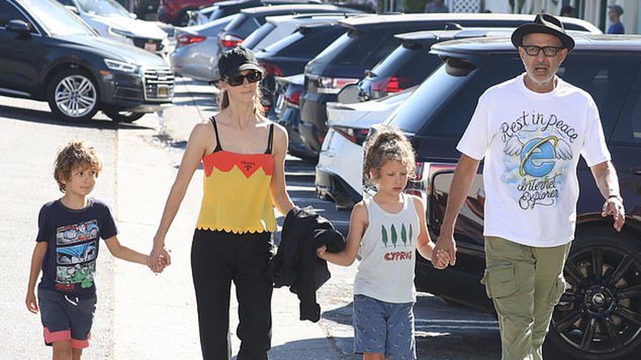 'Jurassic World Evolution 2' Dev Diary has less Jeff Goldblum, more Pterodactyls